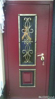 входные двери с декоративными элементами