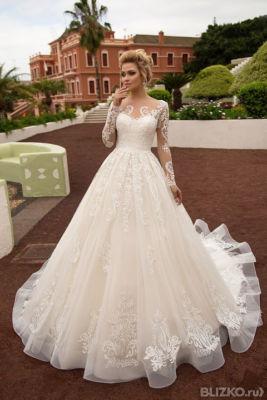 e7276d5110f71e Свадебное платье Naviblue Bridal Laura 16488 в Омске. Цена товара 39 ...
